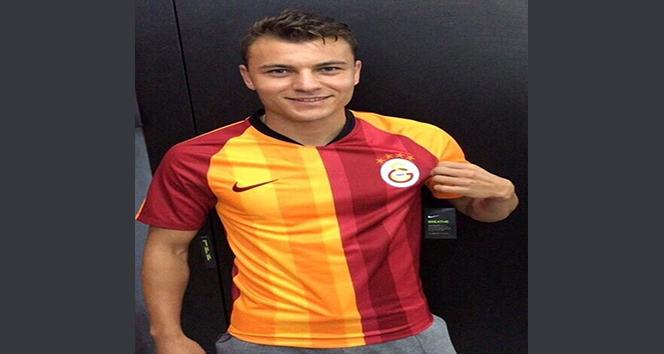 14 163f8951 5dad 4d21 a8df 11ccc7c7ccbb - Yusuf Erdoğan dan Galatasaray formalı paylaşım