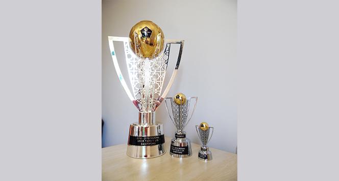 14 2890817f 48fe 49da a547 7b9b8e752721 - Denizlispor 150 den fazla minyatür kupa sattı