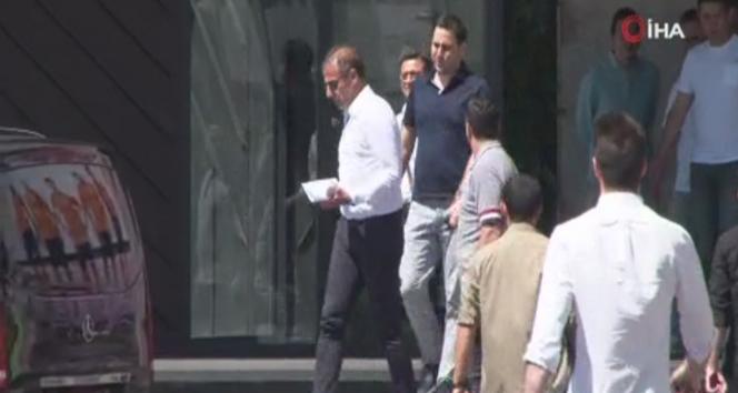 14 40ace669 8c91 41f3 b146 6554160f9a01 - Abdullah Avcı, Başakşehir kulüp binasından ayrıldı