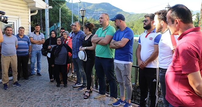 14 436fa23b acaa 47ac 93e9 dad9ed353bc5 - Karabükspor dan maaşlarını alamayan eski çalışanlar eylem yaptı