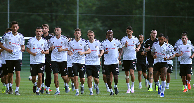14 897d8923 9940 4879 9187 6c5a7aa3d79a - Beşiktaş, Avusturya da ilk antrenmanı yaptı