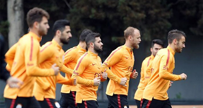 14 98802429 574e 4e44 83ae 6d7177a06358 - Galatasaray Fenerbahçe maçı hazırlıklarını sürdürdü!