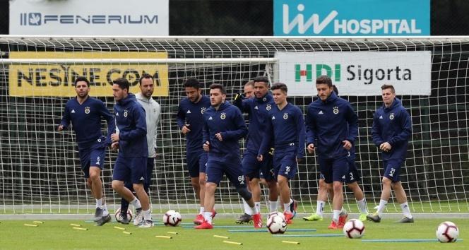 14 ca8ce443 87b1 4d20 8d9d 083d607447c8 - Fenerbahçe'de Alanyaspor maçı hazırlıkları devam ediyor