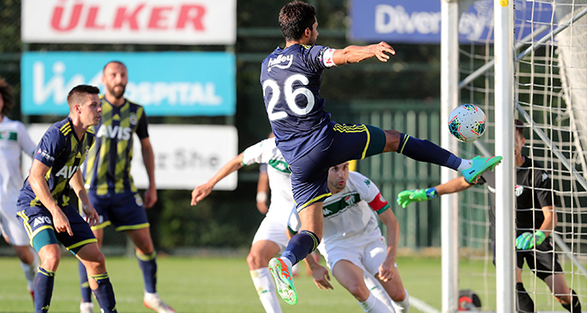 14 d6bdbe43 f72a 4977 beb3 2859c216acf6 - Fenerbahçe özel maçta Bursaspor u 2-0 la geçti