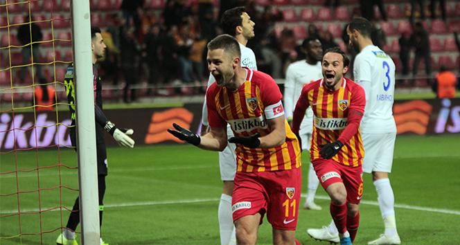 14 eef93117 45a0 4a7a 9a74 189ca584fc86 - İ.M. Kayserispor 3 puanı tek golle aldı