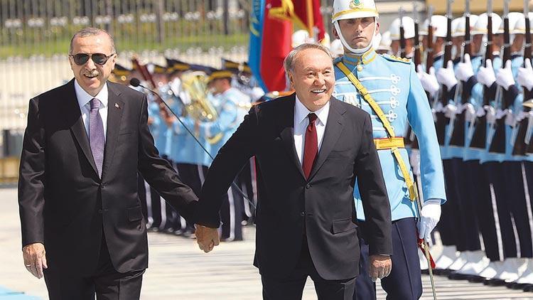 Kazakistan'a FETÖ uyarısı: Tüm ülkeler için tehdit