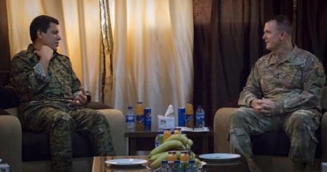 ABD'li general, kırmızı listede aranan YPG'liyle görüştü
