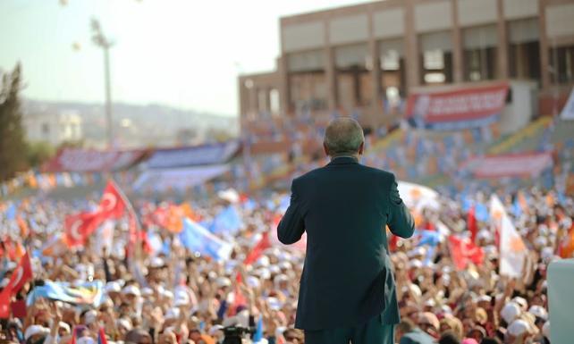 """""""AK Parti'nin İstanbul adaylarından biri herkesin aşina olduğu bir işkadını"""""""