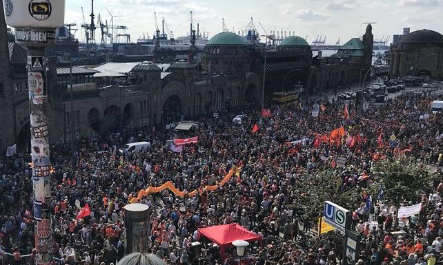 Almanya: Devam eden ırkçı eylemlere karşı 'barış konseri'