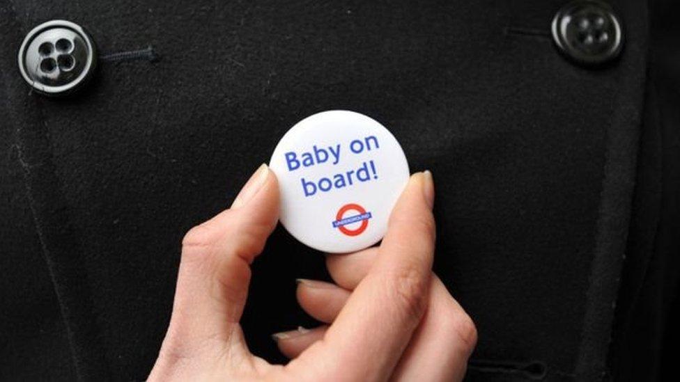 Londra'da bebek var rozeti