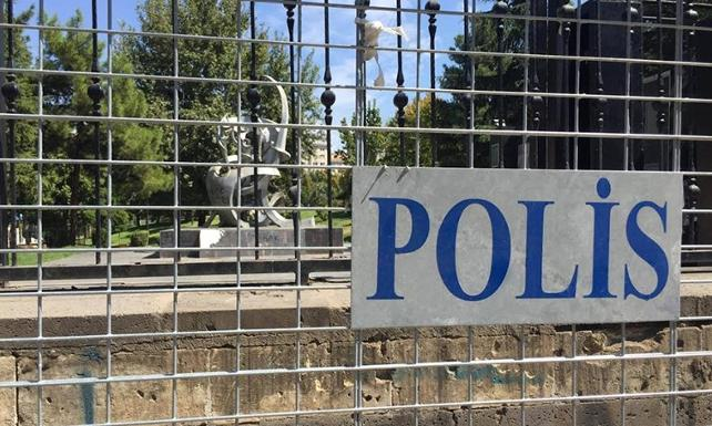 Diyarbakır'da Yaşam Hakkı Anıtı'na abluka