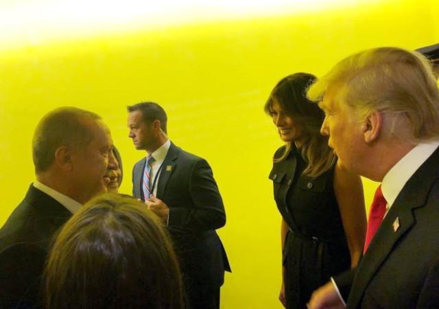 Erdoğan ve Trump Ayaküstü Görüştü
