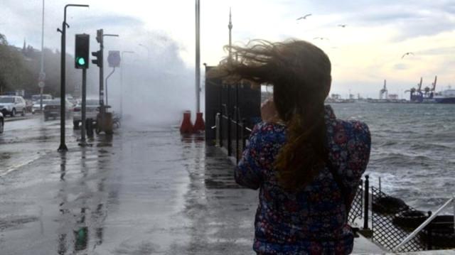 Meteoroloji Uyardı! Yarın Sabah Saatlerinden İtibaren Fırtına geliyor