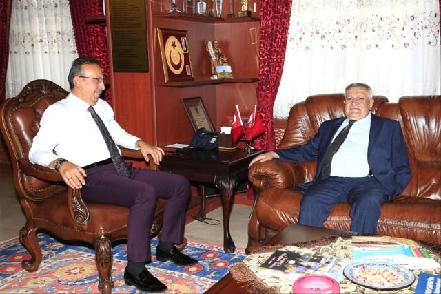 Vali Yardımcısı Ahmet Soley, Belediye Başkanı Seçen'e Veda Etti